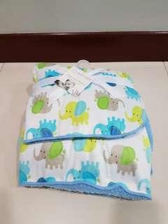 Fluffy fleece blanket for baby