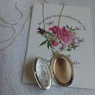 Floral Carving Locket pendant Necklace