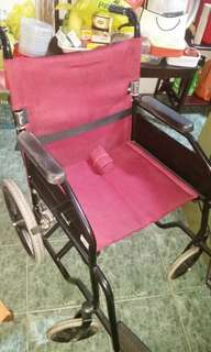 2 items! Pricw reduce! spring clean!  Wheelchairs and toilet chair