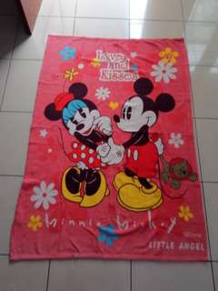 Selimut Mickey Minnie Mouse