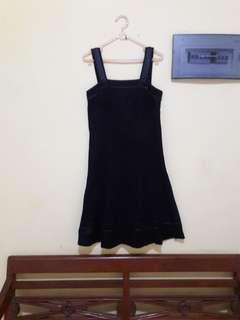 Dress hitam - elegan