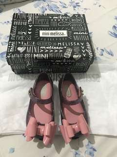 mini melissa ultra girl size 6