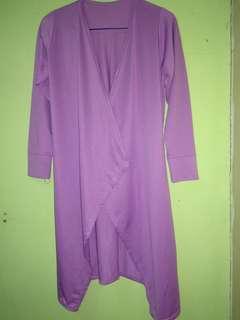 Cardigan warna ungu