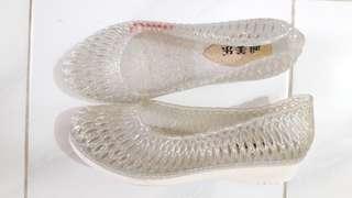 Sepatu cantik size 39