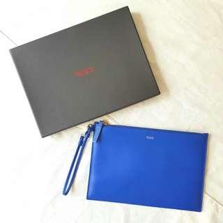 TUMI LEATHER CLUTCH BLUE 100% ORIGINAL