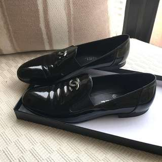 Chanel CC  patent leather loafers / slip on shoes  #Size 38 (fit for size 37) #Made in Italy ....