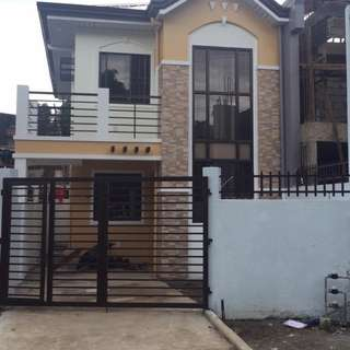 Duplex House and Lot in Cresta Verde Executive Subdivision Novaliches Quezon City