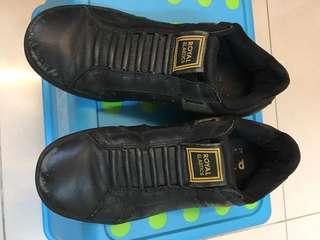 🚚 ROYAL黑色休閒鞋