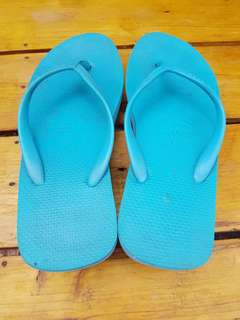 Havaianas teal size 8