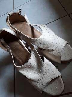 White heeled shoes