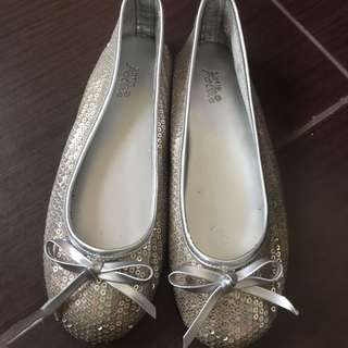 Follie Doll Shoes silver size 4