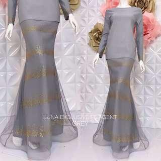 👗luna  exclusive👗  👗Material :strechy cotton and net skirt blink2  👗 2 sizes : XS/M & L/XL  👗hidden zip di belakang 👗hidden zip tgn ( wudhu ) 👗bunga sulam dekat baju 👗full lining