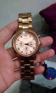 Jam tangan Guess Gold mint condition