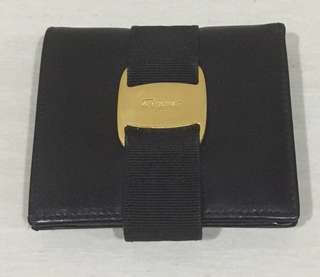 FERRAGAMO Authentic wallet. Excellent condition. Multiple card slots and coin compartment