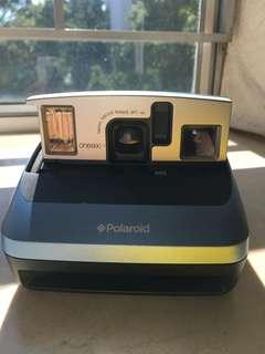 Polaroid One600 classic Instant Carmera