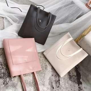 🚚 PO Zephyr Basic Pocket Leather Tote Bag