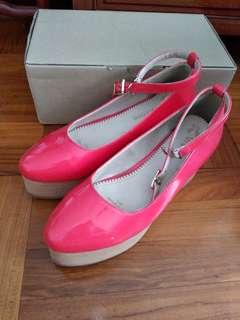 橙紅色厚底鞋