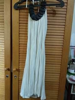 Halter neck dress broken white