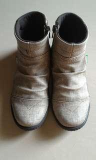 Sepatu bekas anak perempuan size 32