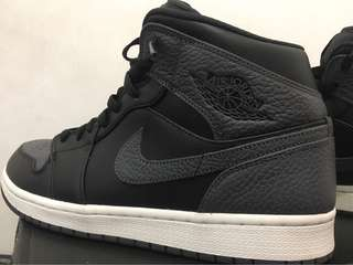 Air jordan 1 mid wolf dark grey