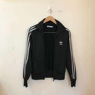 Adidas經典款外套