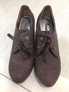 豆色 高跟鞋