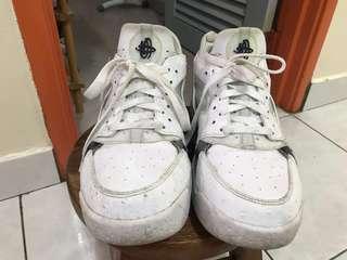 Nike Huarache Flight Sneakers