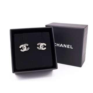 (NEW) CHANEL A98011 Y02003 CC CRYSTAL BLACK WITH CLEAR CYRSTAL METAL EARRINGS 全新 耳環