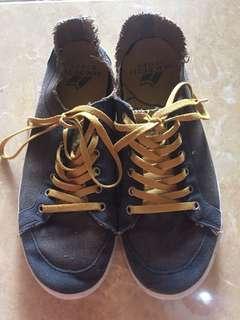 sepatu macbeth ori