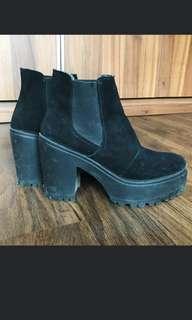 Topshop Chelsea high heels boots