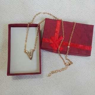 V letter pendant Necklace