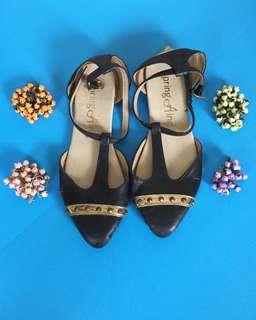 ❤️ Deep blue studded flat shoes