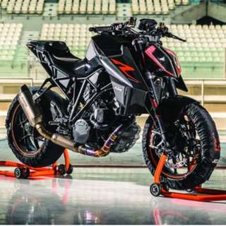 BRAND NEW KTM 1290 SUPER DUKE R
