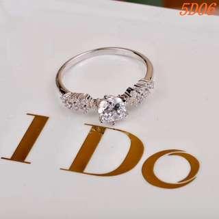 Tiffany 戒指  純銀鑲鑽  專櫃同款  高貴奢華 示愛神器