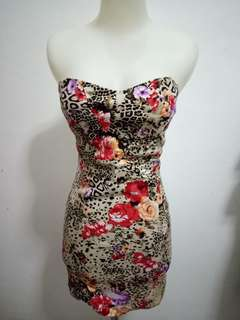 Mini dress bunga