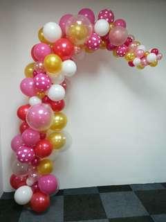 Organic half balloon arch