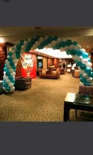 Hotel balloon arch