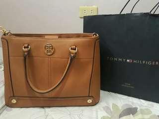 Tommy Hilfiger Hand/Shoulder Bag
