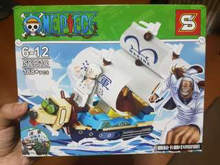 BNIB One Piece Brick Toy - Garp