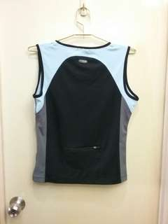 Sports Wear with secret pocket at the back