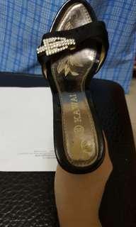 🚚 二手黑色亮鑽楔形高跟拖鞋
