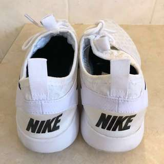 Women's Nike size 8