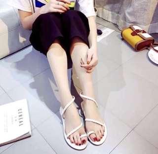 💯% 🆕全新白色涼鞋Sandal