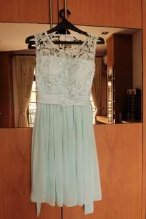 Gaun pesta. Custom turquoise lace dress