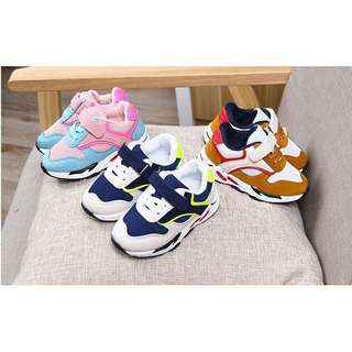 Sepatu kets Colorful
