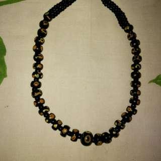 """Kalung manik"""" antik dari Tenggarong Kaltim"""