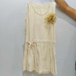 mini dress casual korean style / gaun remaja kasual / katun krem / cream / broken white preloved