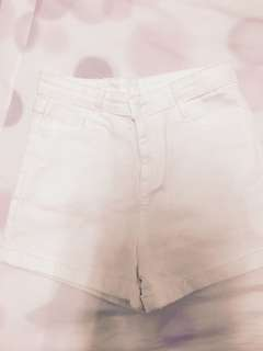 白色短褲含運