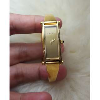 Authentic Gucci 1500L Gold Watch. Mother of Pearl face for ladies