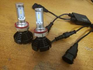 Honda / Toyota HB4 low beam LED light.